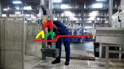 日系客户工厂-发动机壳体搬运用机械手